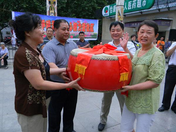 2012.7.31玉祥门社区帮扶活动
